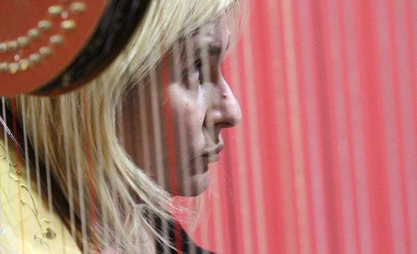 """Eleonora Perolini: """"Arpademia"""", la musica del benessere"""