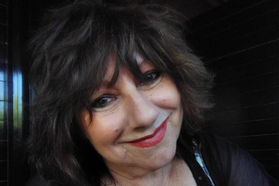 Silvia Anicchiarico: Un'artista esuberante e ironica