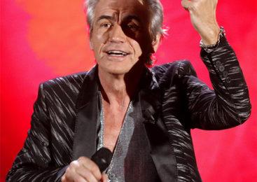 Con Dio è morto, Ligabue incanta Sanremo