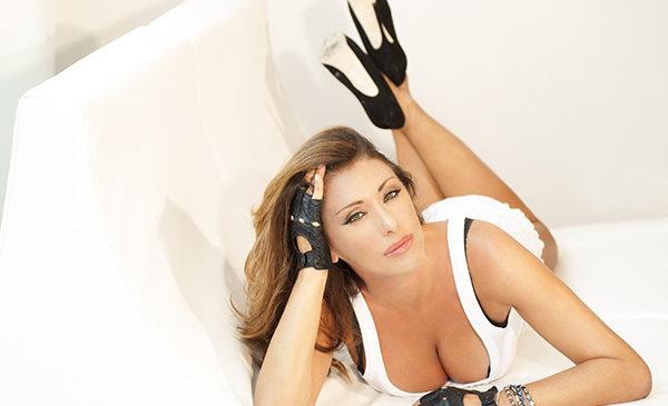 Oltre le gambe c'è di più, un gran cuore: Auguri Sabrina Salerno