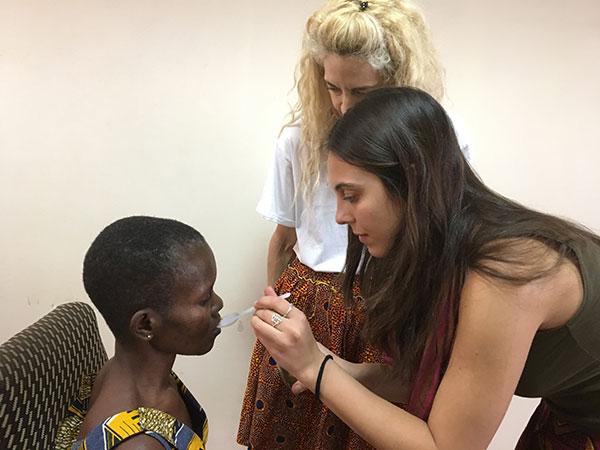 Dall'Italia al Ghana per curare i malati di Parkinson