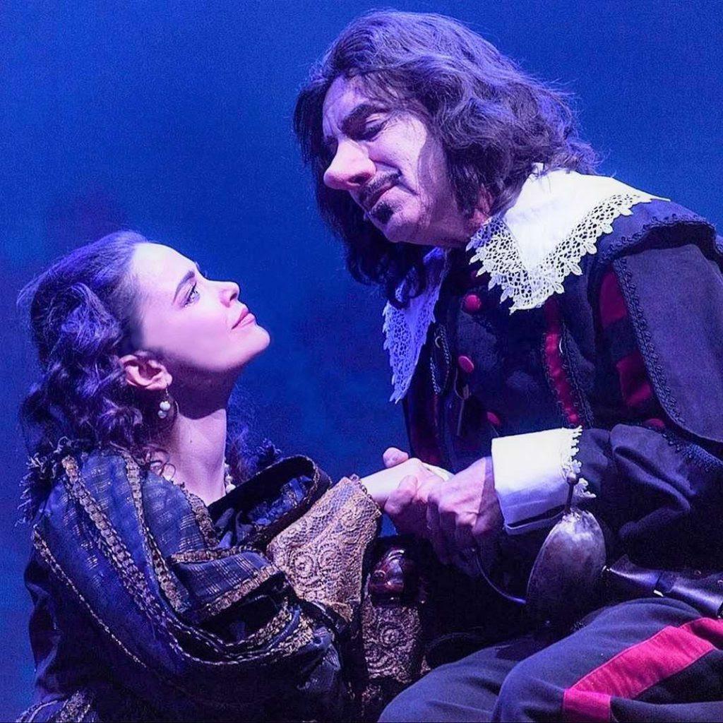 Napoli: 10 minuti di standing ovation per il Cyrano di Cannavacciuolo