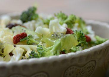 Isalata di Kiwi, Goji e Broccoletti