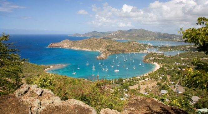 Antigua riapre al turismo