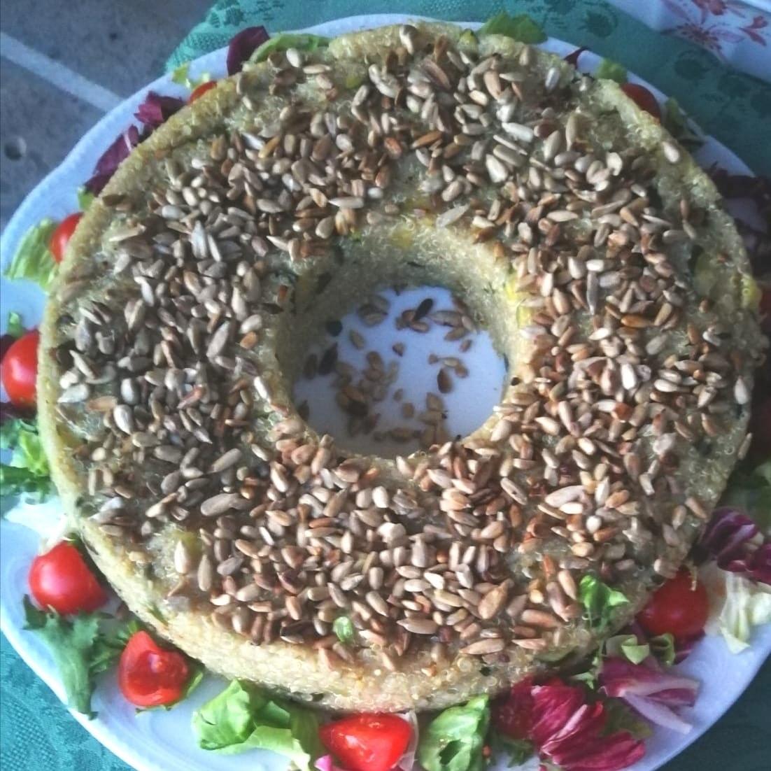 Ciambella di Quinoa ai semi di girasole