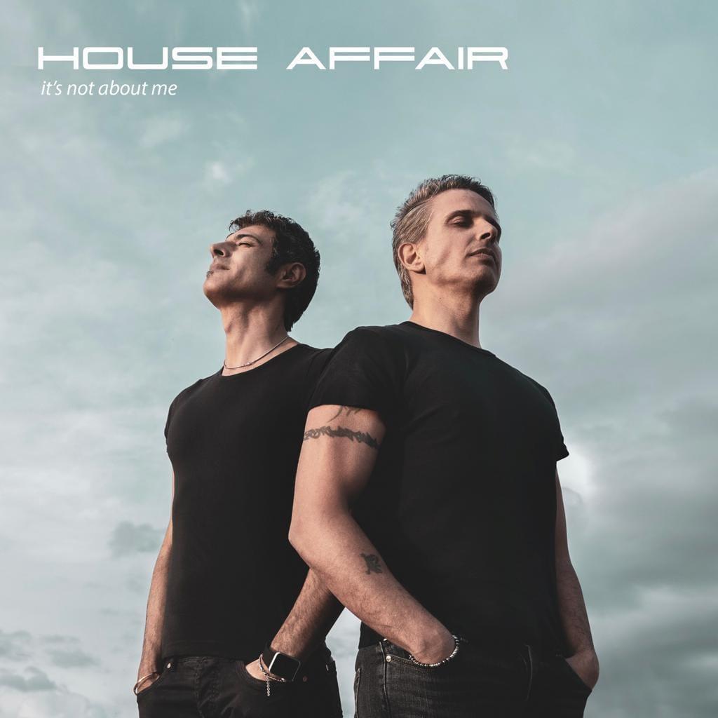House Affair-Il brano di esordio è già un successo