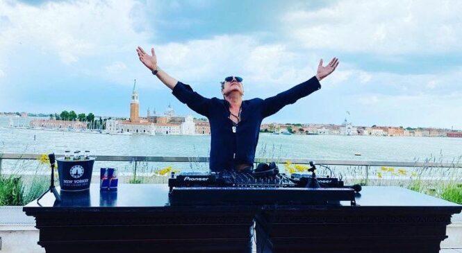 Joe T Vannelli- Live on Tour che fa ballare tutti