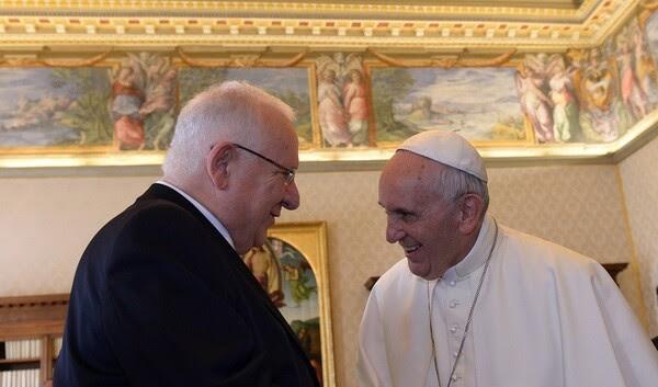 Il Presidente Rivlin telefona a Papa Francesco in vista delle festività natalizie