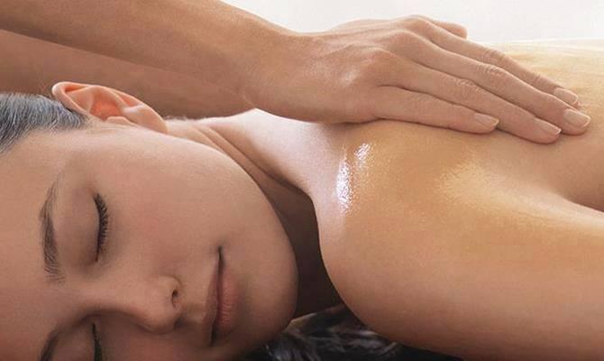 Il massaggio Ayurvedico con i cristalli