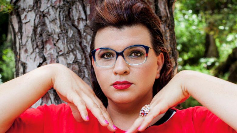 Rebecca de Pasquale-Dal GF è tornata Frate benedettino per dimostare che siamo tutti uguali!